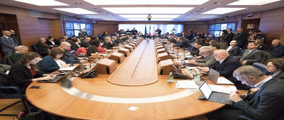 VERTICE DELLA PROTEZIONE CIVILE E CONSIGLIO DEI MINISTRI STRAORDINARIO : emanato decreto legge