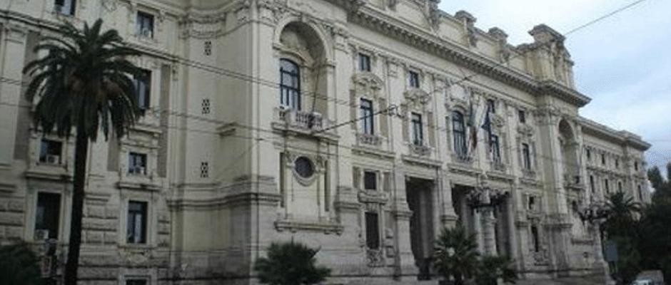 GOVERNO SU SCUOLA: Scuola, sdoppiamento difficile Rallentano concorsi e contratto
